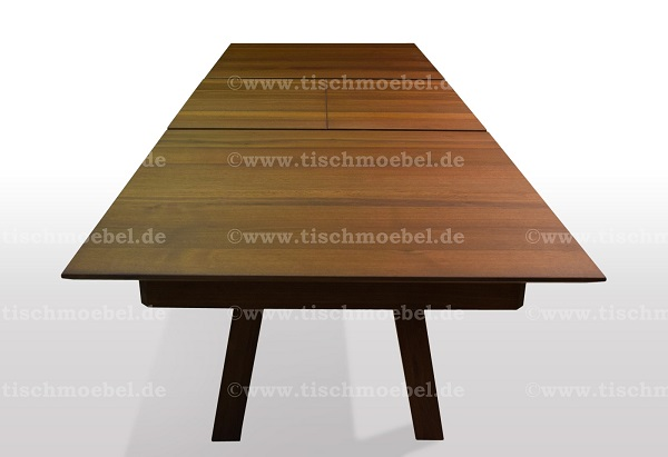 Tisch-nussbaum-quer-ausziehbar-massiv