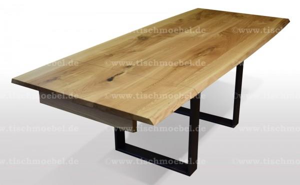 tisch mit baumkante wildeiche