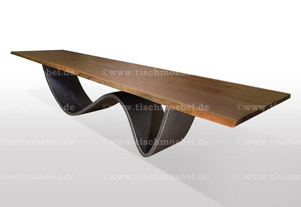 esstisch-mit-baumkante-nussbaum-untergestell-welle-wave59be71101dd0b