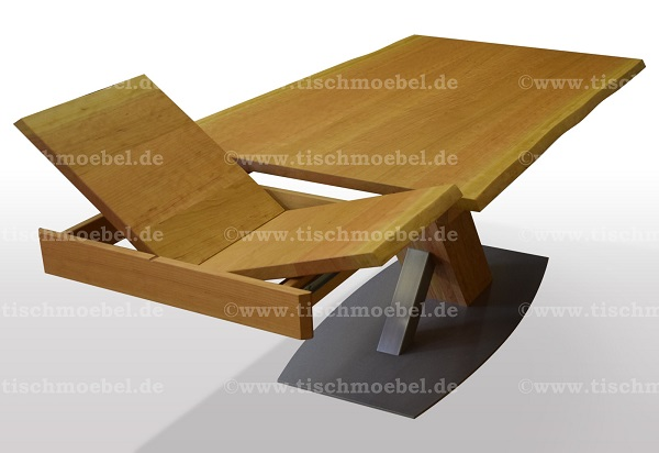 Holztisch-Kirschbaum-mit-baumkante