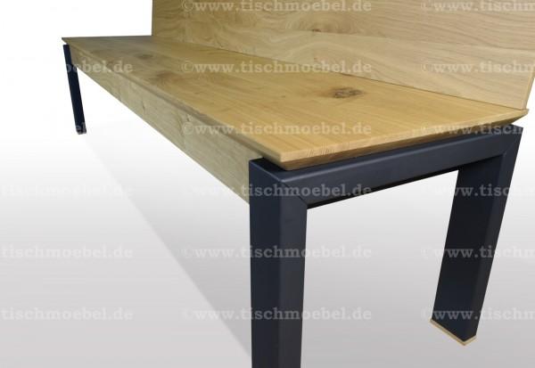massive ausziehbare sitzbank aus eiche mit holz rueckenlehne auf schwarzstahl und untergestell